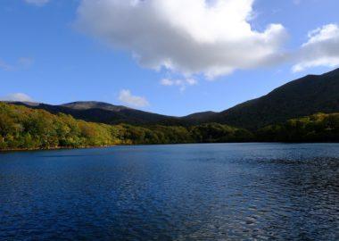X-T3で撮影の須川湖の紅葉写真のレビュー