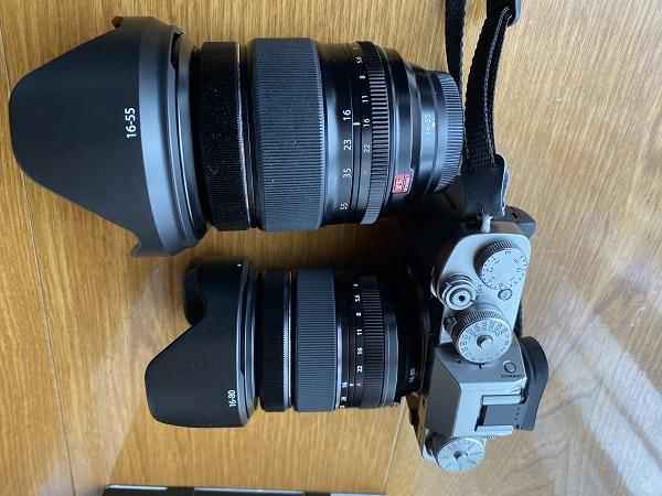 16-55mmF2.8 R LM WRとの大きさの比較の写真