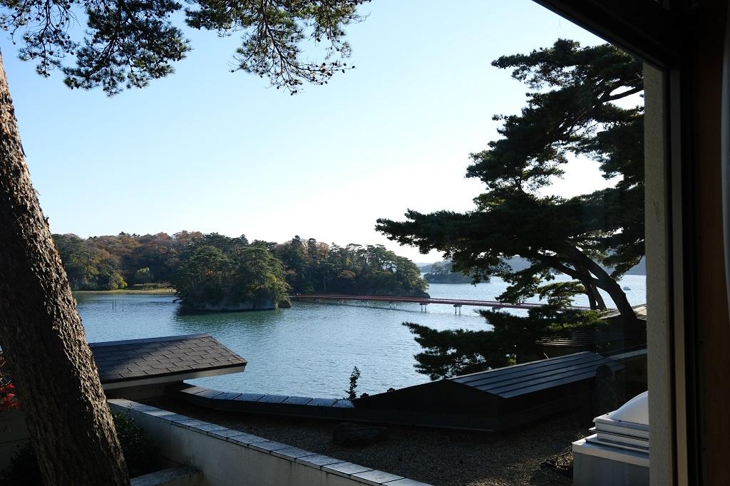 小松館香風亭から見た福浦橋の風景写真