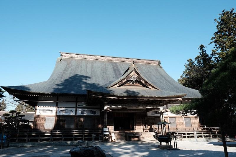 中尊寺の本堂の写真