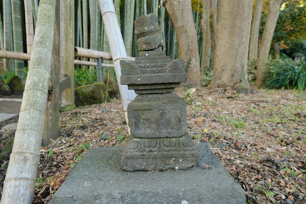 英勝寺の境内の竹林の風景の写真
