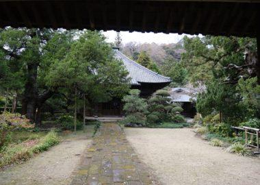 寿福寺の本殿の写真