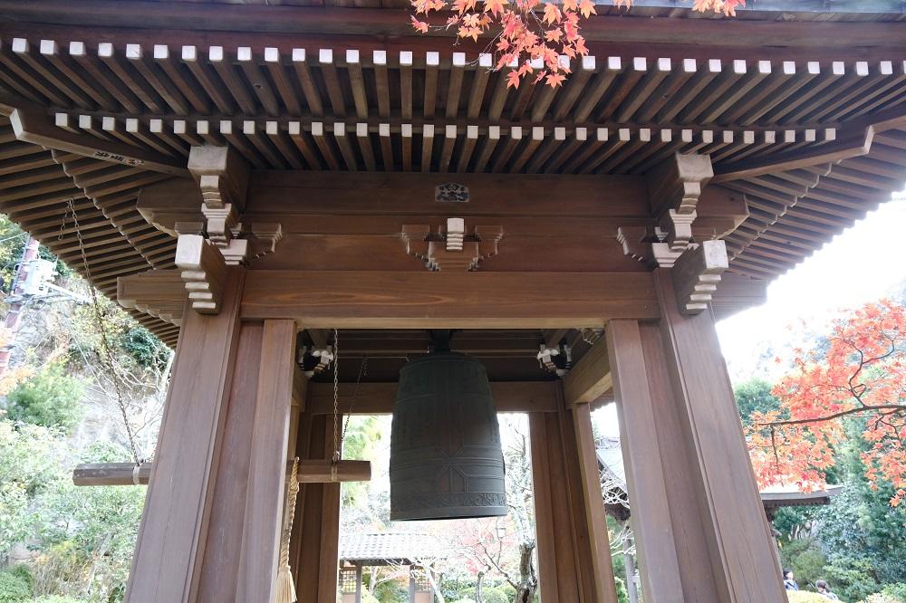 海蔵寺の鐘楼の写真です。