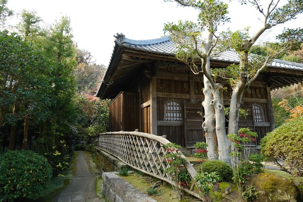 海蔵寺の十六井戸に行く方向