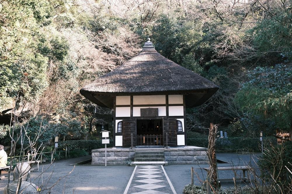 明月院の開山堂の冬の写真
