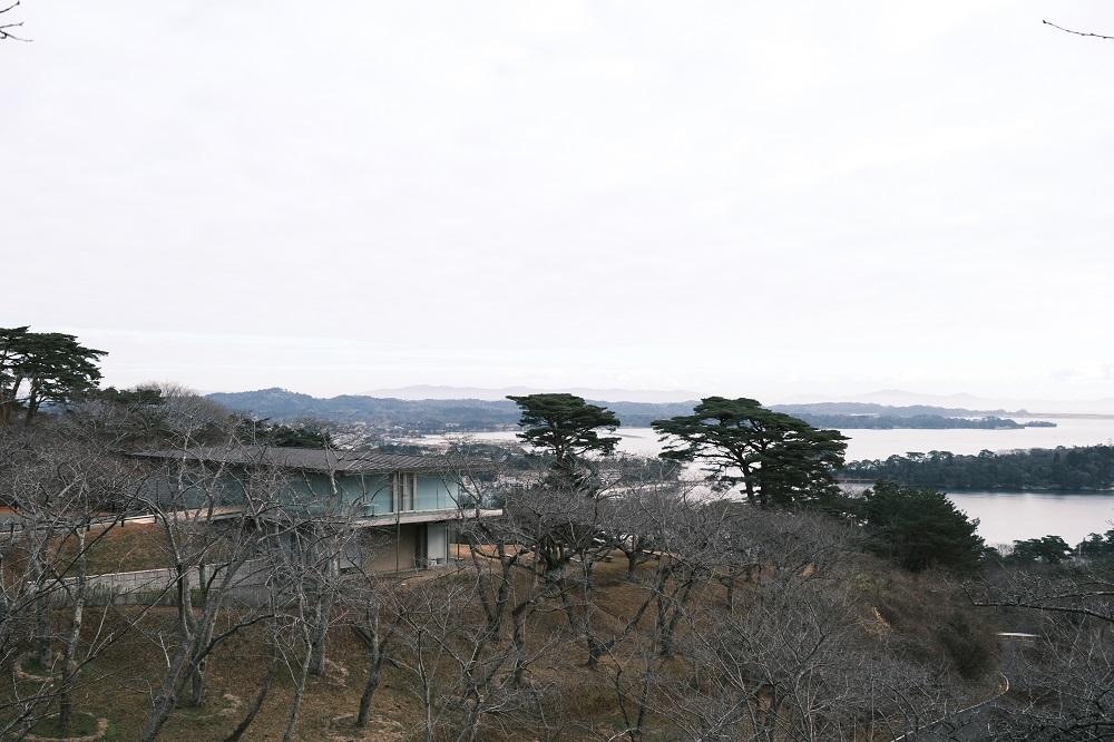 西行戻しの松公園の白衣間のから見下ろした風景