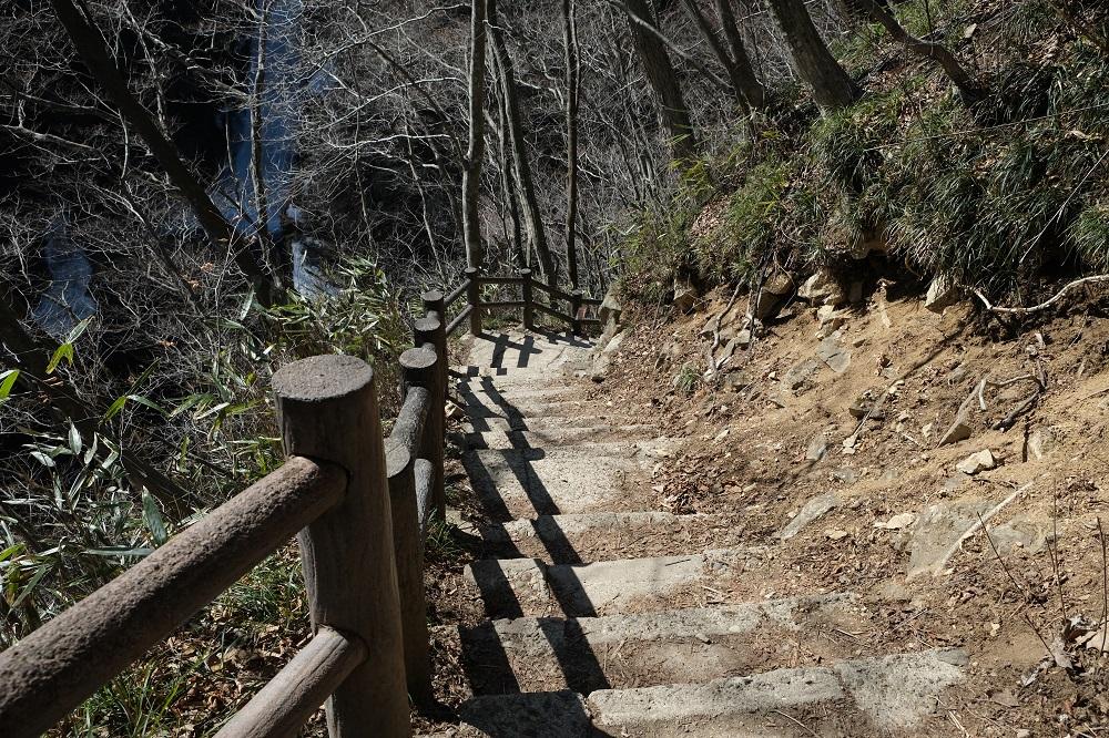 秋保大滝の冬の遊歩道の風景写真