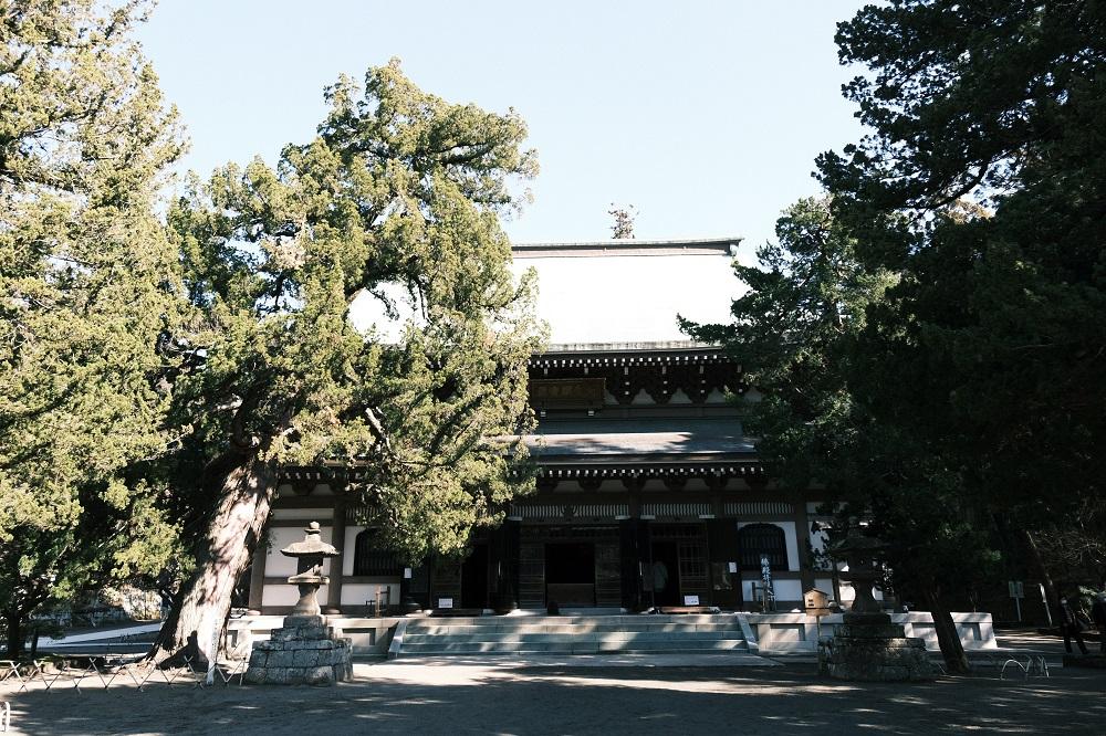 円覚寺の仏殿の風景