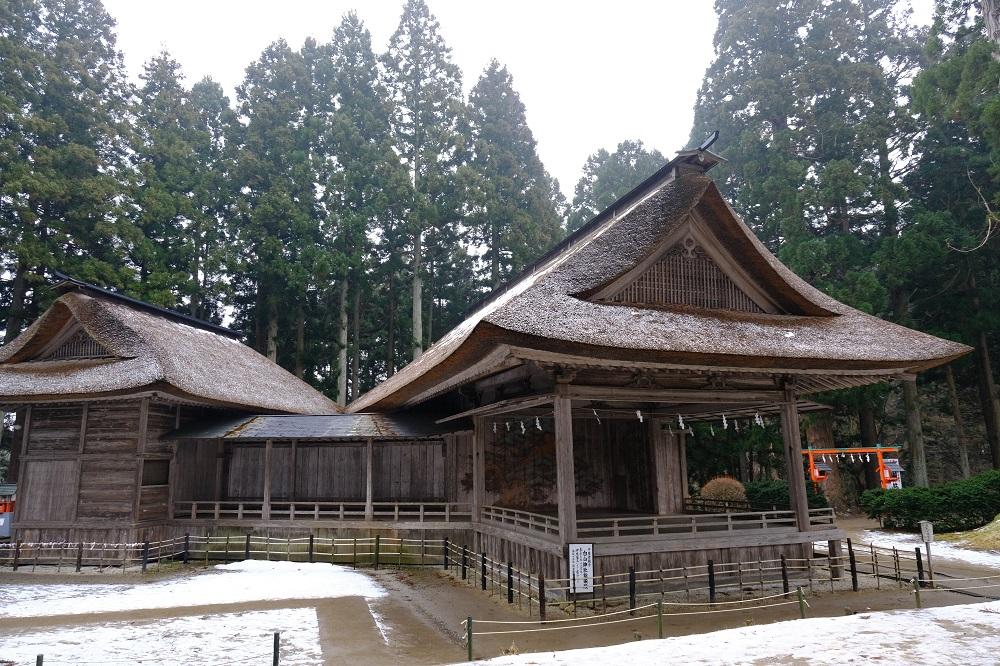 白山神社野外能楽堂の写真