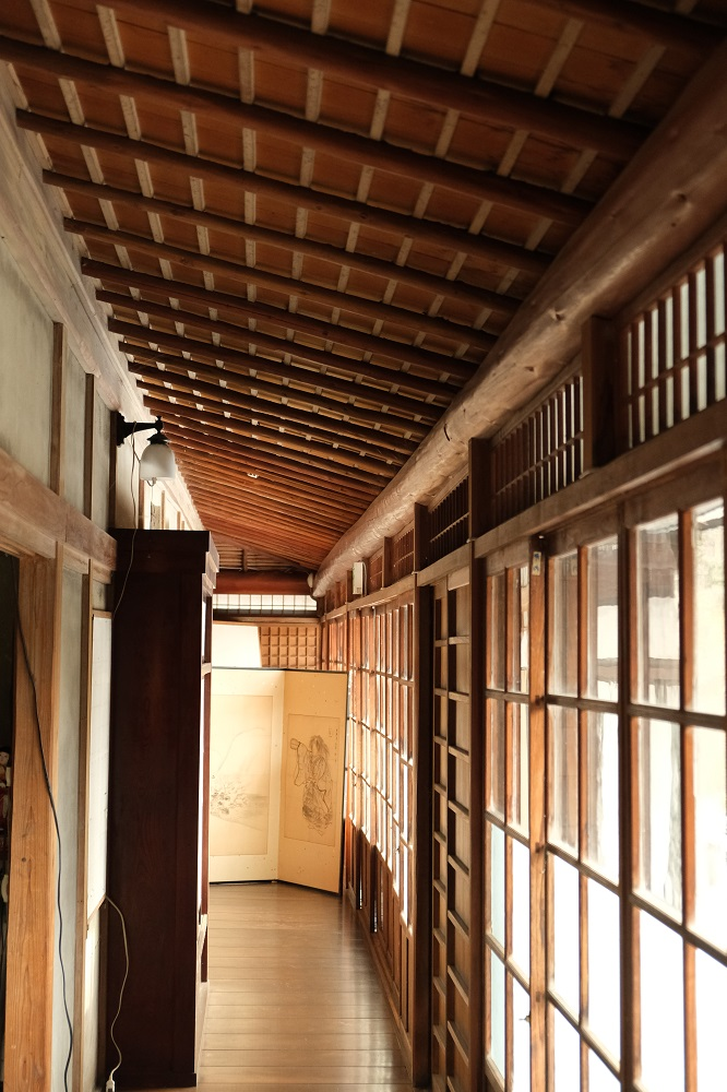 一ノ倉亭の建物内の廊下