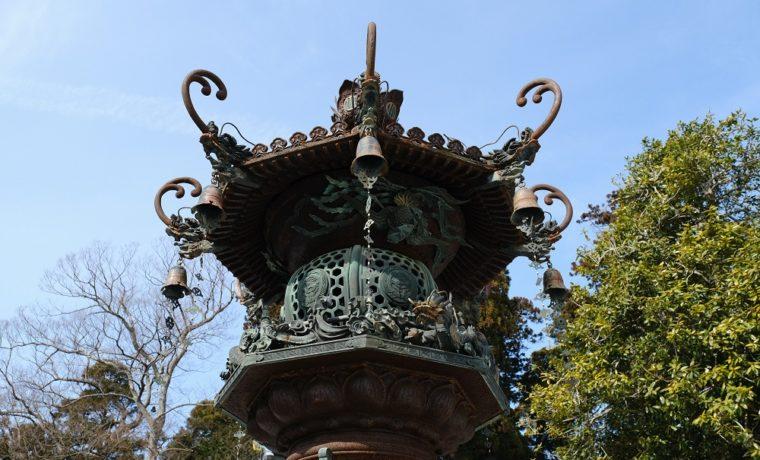 塩釜神社の灯篭の写真