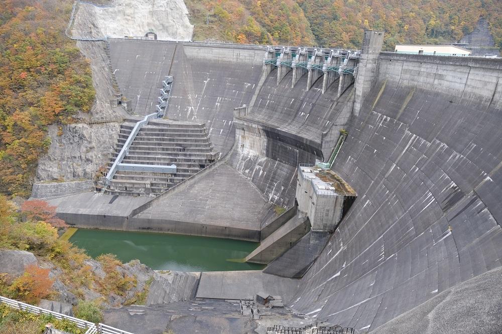 湯田ダムの写真