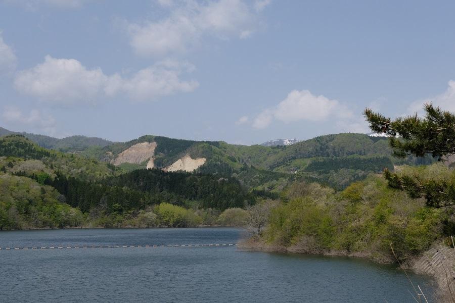 荒砥沢ダムの崩落現場の写真